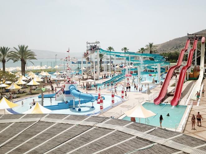 פארק המים חוף גיא - ים של אטרקציות