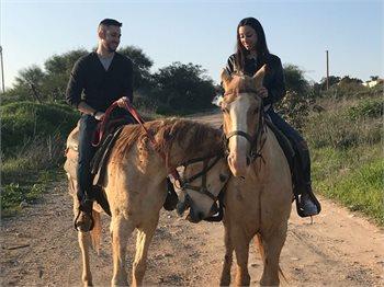 מעוז בשטח - טיולי סוסים