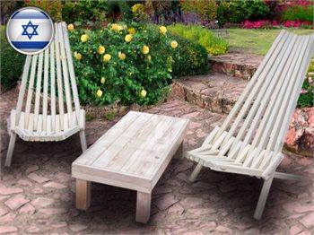 פינת ישיבה זוגית כוללת שולחן ושני כיסאות מעץ מלא