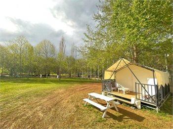 ירוק על הנחל - חופשה משפחתית באוהל ממוזג